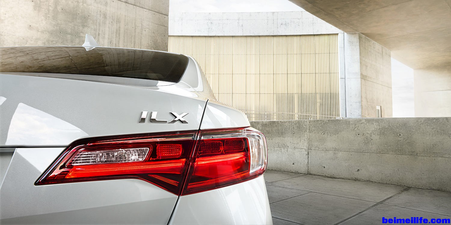 2016-ilx-exterior-in-bellanova-white-pearl-tail-light-6.jpg