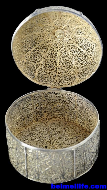 Gilded_Silver_Filigree_Indian_Box_4_-438x777.jpg