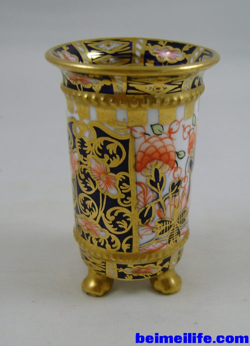 Royal_Crown_Derby_Imari_Miniat_as257a261b.jpg